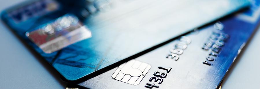 Как украинцы пользуются платежными картами?