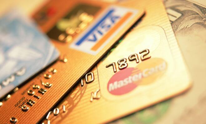 Украинцы стали грамотнее использовать банковские карты