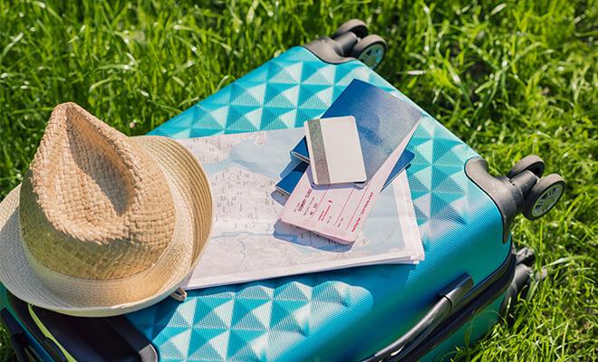 Как пользоваться картами за границей – чек-лист для отдыхающих