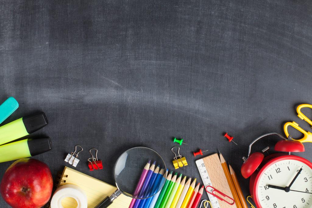 сколько денег нужно, чтобы собрать школьника в первый класс